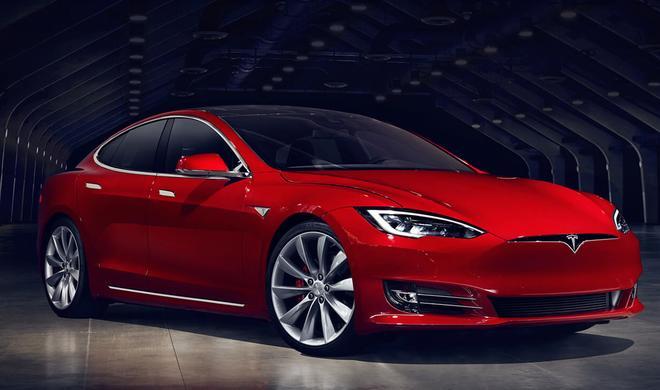Unglaublich: Siri steuert Tesla-Elektroauto über HomeKit