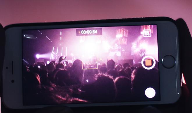 Adele: Leg Dein Smartphone weg, ich bin wirklich da