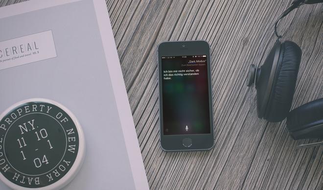 Siri verrät Hinweis auf Dark Mode
