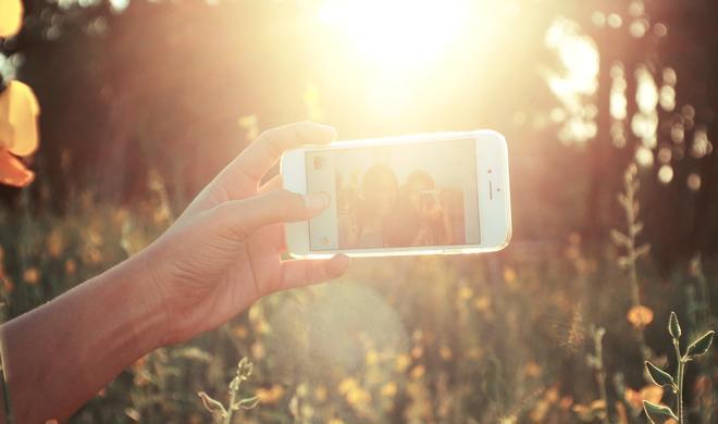 Alles über Selfies mit dem iPhone: Die besten Apps, die besten Tipps, das beste Zubehör