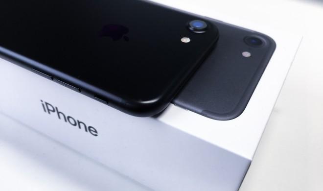 iPhone 7 in Mattschwarz mit 128 GB Speicher günstiger