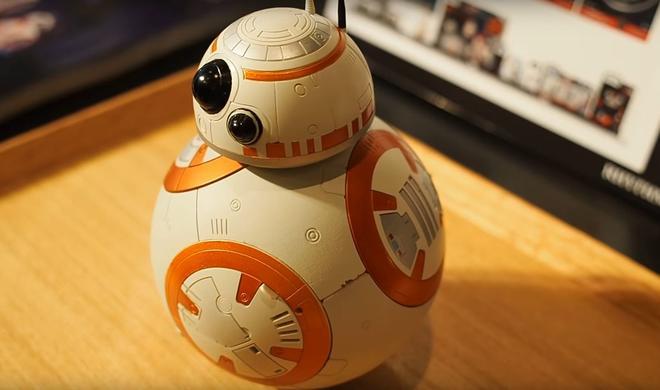 BB-8: Das ist die beste Art geweckt zu werden! Zumindest als Star-Wars-Fan