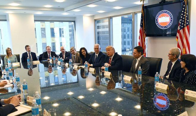 Donald Trump: Tim Cook schließt nicht aus, die iPhone-Produktion in die USA zu bringen
