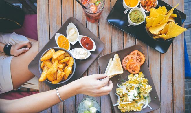 Karten-App am iPhone: So lassen Sie sich Restaurants und Tankstellen entlang Ihrer Route anzeigen