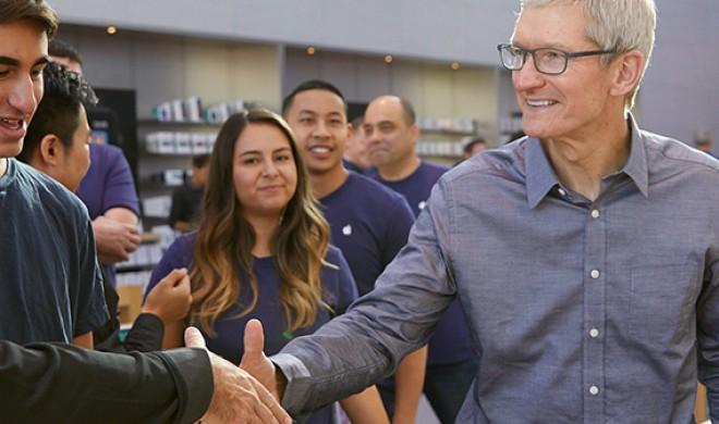 "Tim Cook lächelt müden ""iPhone 8""-Start weg"