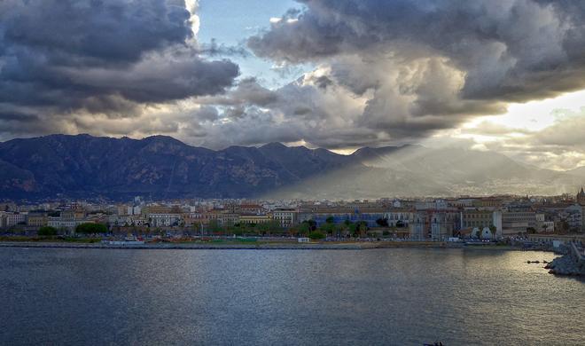 In Neapel Programmieren lernen? Apple macht's möglich