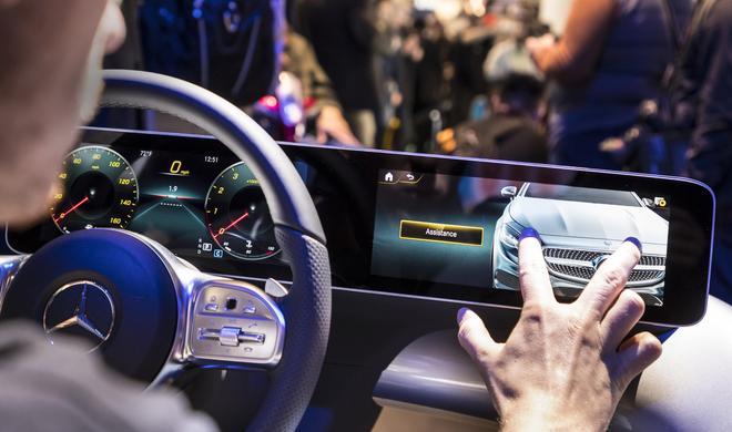 MBUX: Kabelloses CarPlay bald auch bei Mercedes Benz