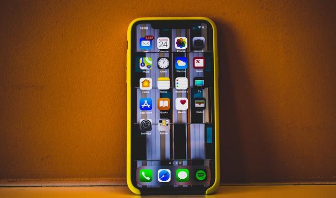 Apple verabschiedet sich von LCD im iPhone, aber erst nächstes Jahr