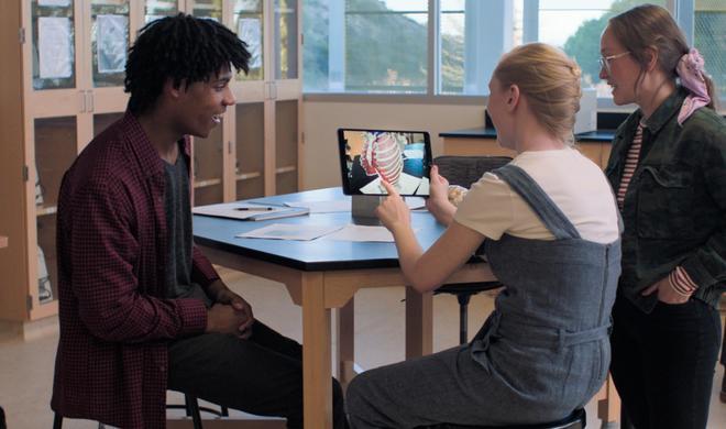 Sucht Apple einen UI-Experten für die AR-Brille?