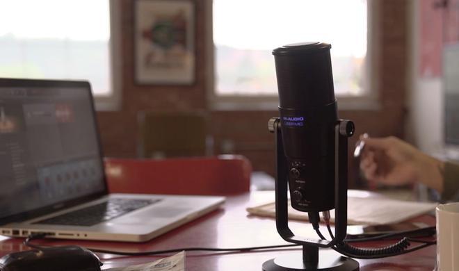 M-Audio Uber Mic im Test: Robustes Mikro für Podcaster am Mac
