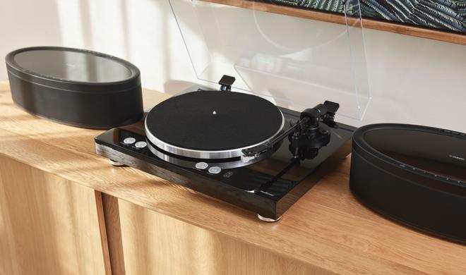 Yamaha MusicCast VINYL 500 ist der erste WLAN-Plattenspieler mit Multiroom-Funktion
