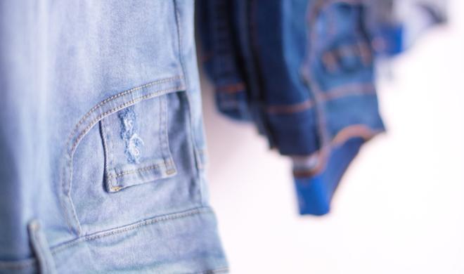 Trick 17: Diese Jeans-Tasche ist der ideale Platz für die AirPods