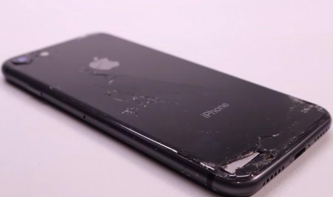 Aus alt mach neu: Wie sich ein iPhone voller Dreck in ein Schmuckstück verwandelt